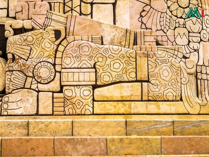 Jaguar Carving Paseo Montejo In Merida Mexico