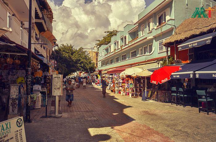 Little Playa Del Carmens Shopping