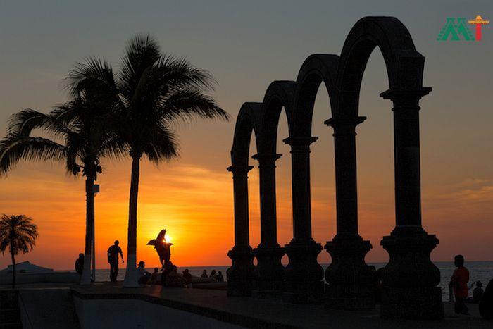 Los Arcos In Puerto Vallarta