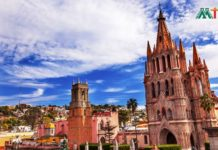 Parroquia Archangel Church in San Miguel De Allende